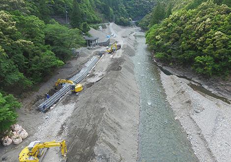災害現場復旧のプロフェッショナル、新優建設